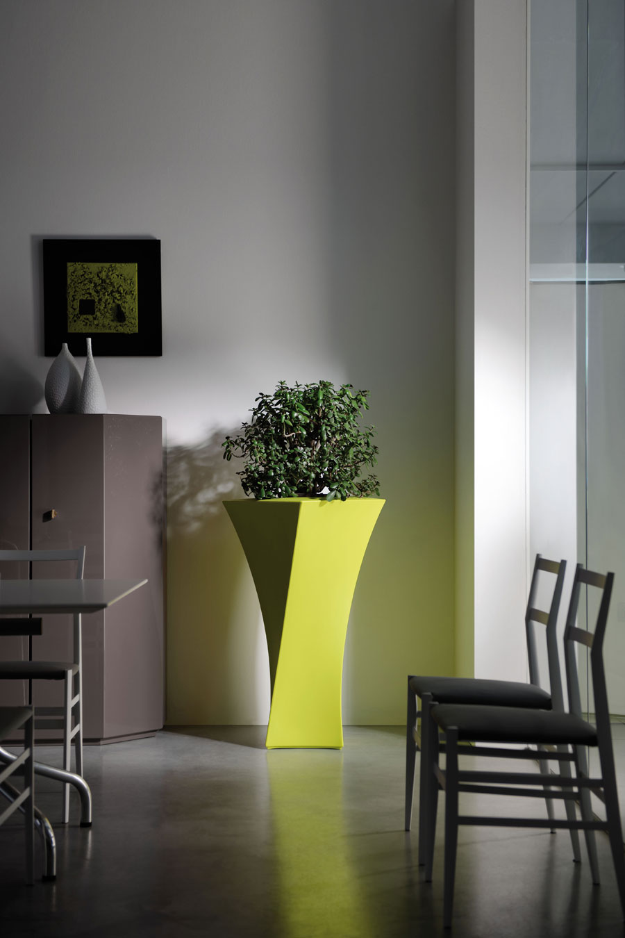 Vaso moderno esterno design interno giardino portavaso for Design interno moderno